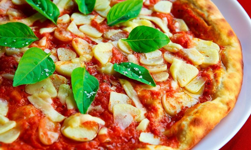 ピザ 味の濃い食事